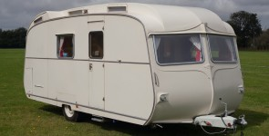 1964 Carlight Continental Caravan