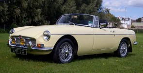 1965 MGB Roadster - Early Pull-Handle Model