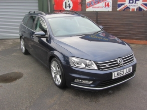 2013 Volkswagen Passat 1.9 TDI BlueMotion Tech R-line with Panoramic Sunroof