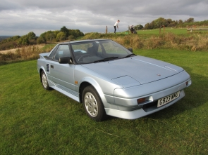 1990 Toyota MR2 Sports with T Bar detachable roof