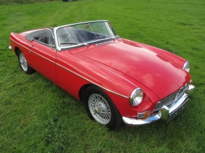 1965 MGB with Heritage shell