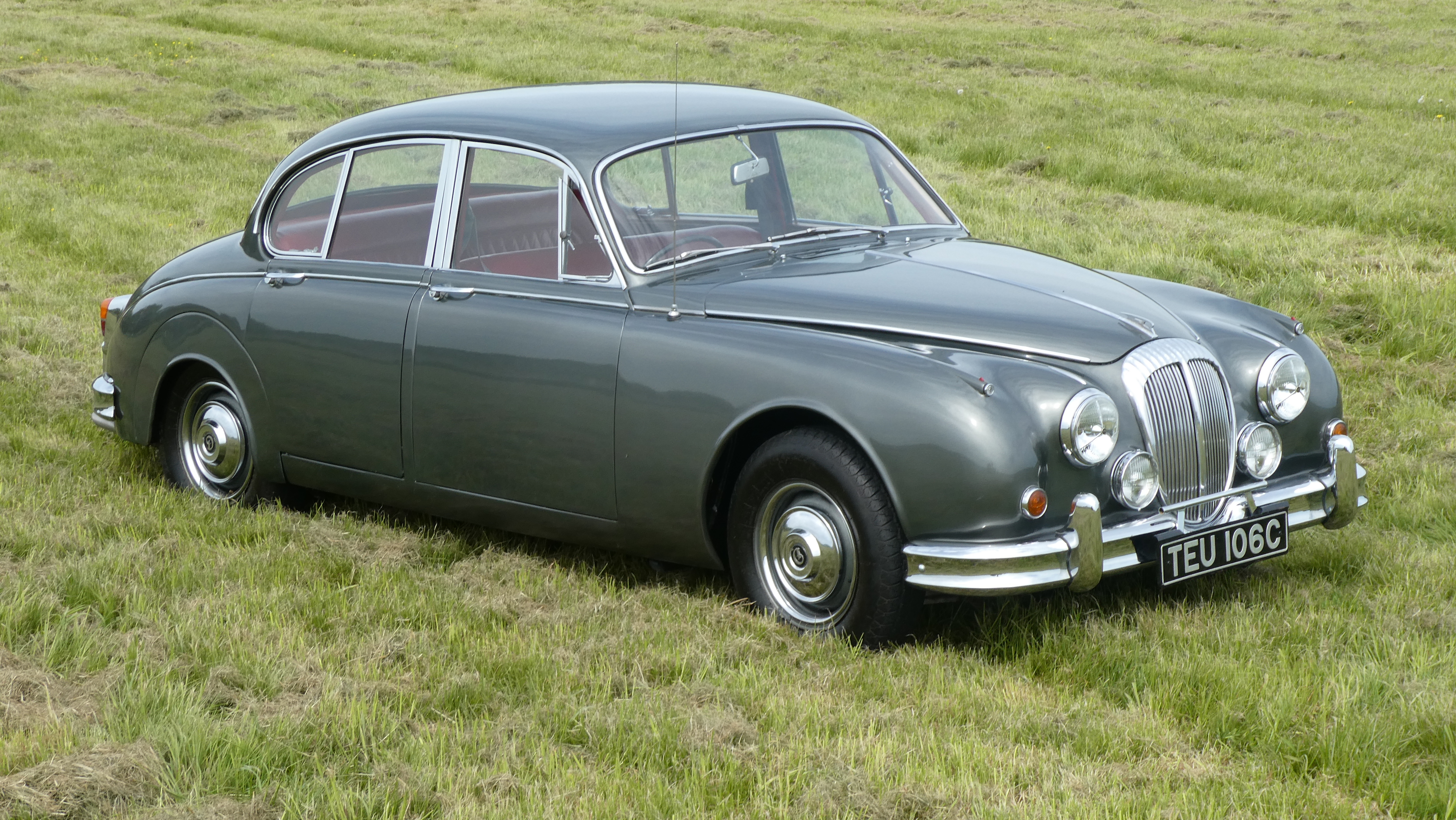 1965 Daimler 250 V8 Saloon 38,000miles only-Automatic for sale