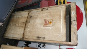 Shell Upper Cylinder Lubricant Dispencer